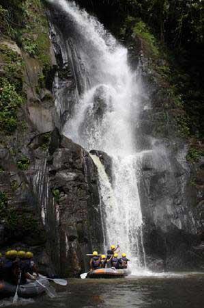 Ubud Rafting Waterfall