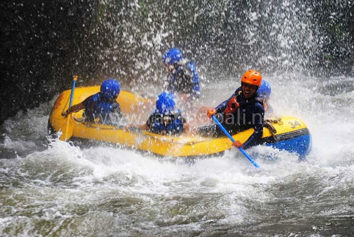 Telaga Waja Rafting Sobek