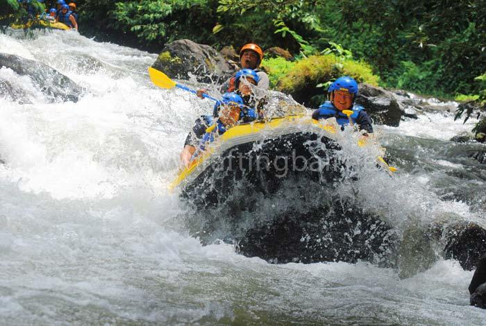 white water rafting telaga waja river