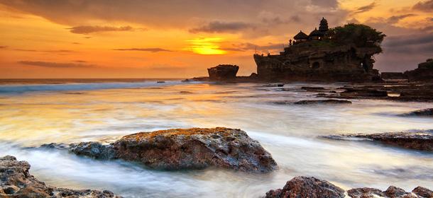Tanah Lot Bali Sunset
