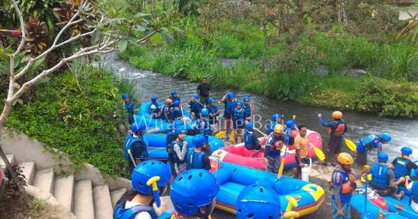 No Stairs At Telaga Waja River
