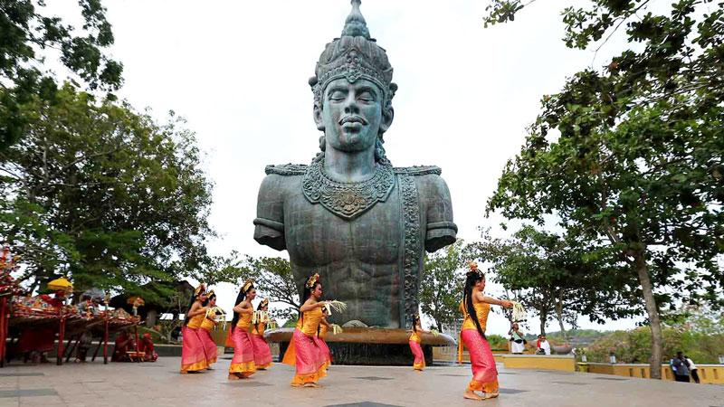 Bali Dance Exhibit at Garuda Wisnu Kencana