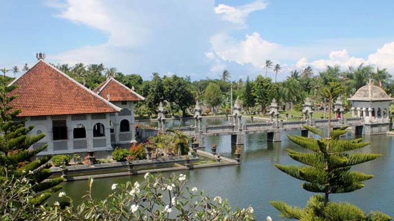 Noble Waterpaleis In Bali